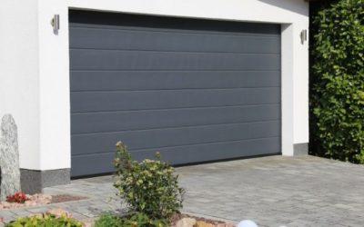 La porte de garage sectionnelle : la valeur sûre pour votre maison